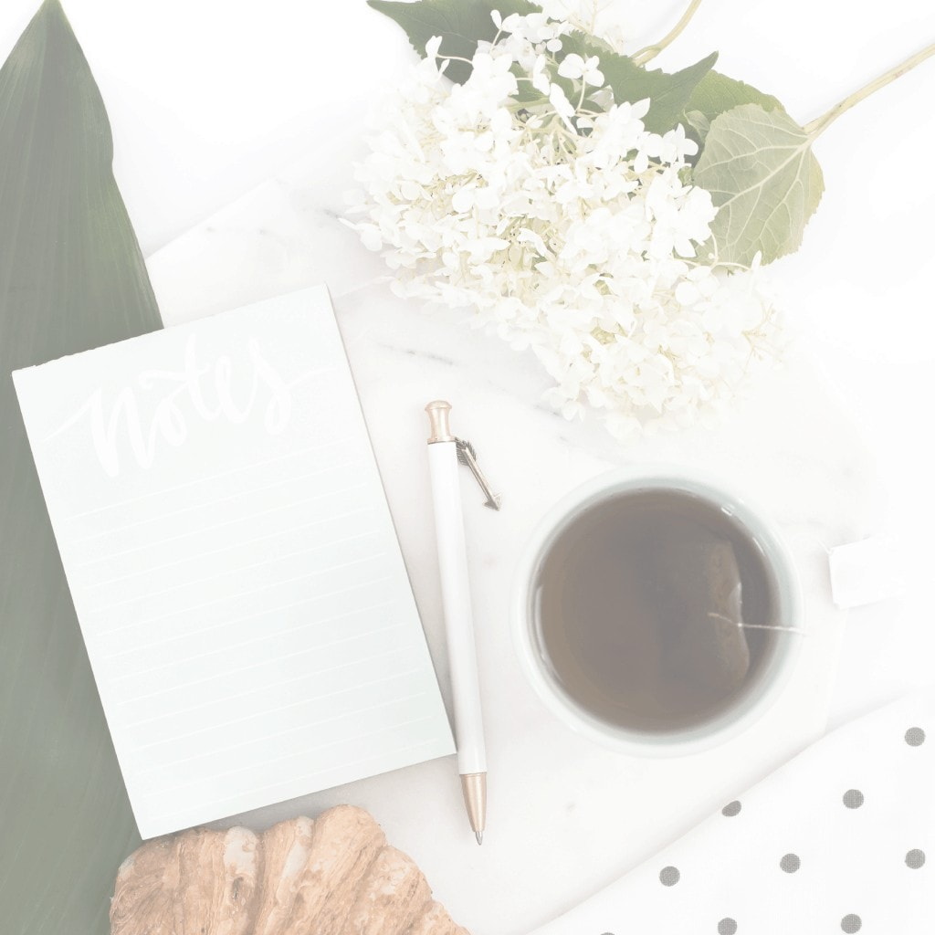 Are you interested in minimalism and simple living--but you don't know where to begin? Check out these 7 ways to kick-start your simple living journey. #minimalism #simpleliving #simplyfiercely